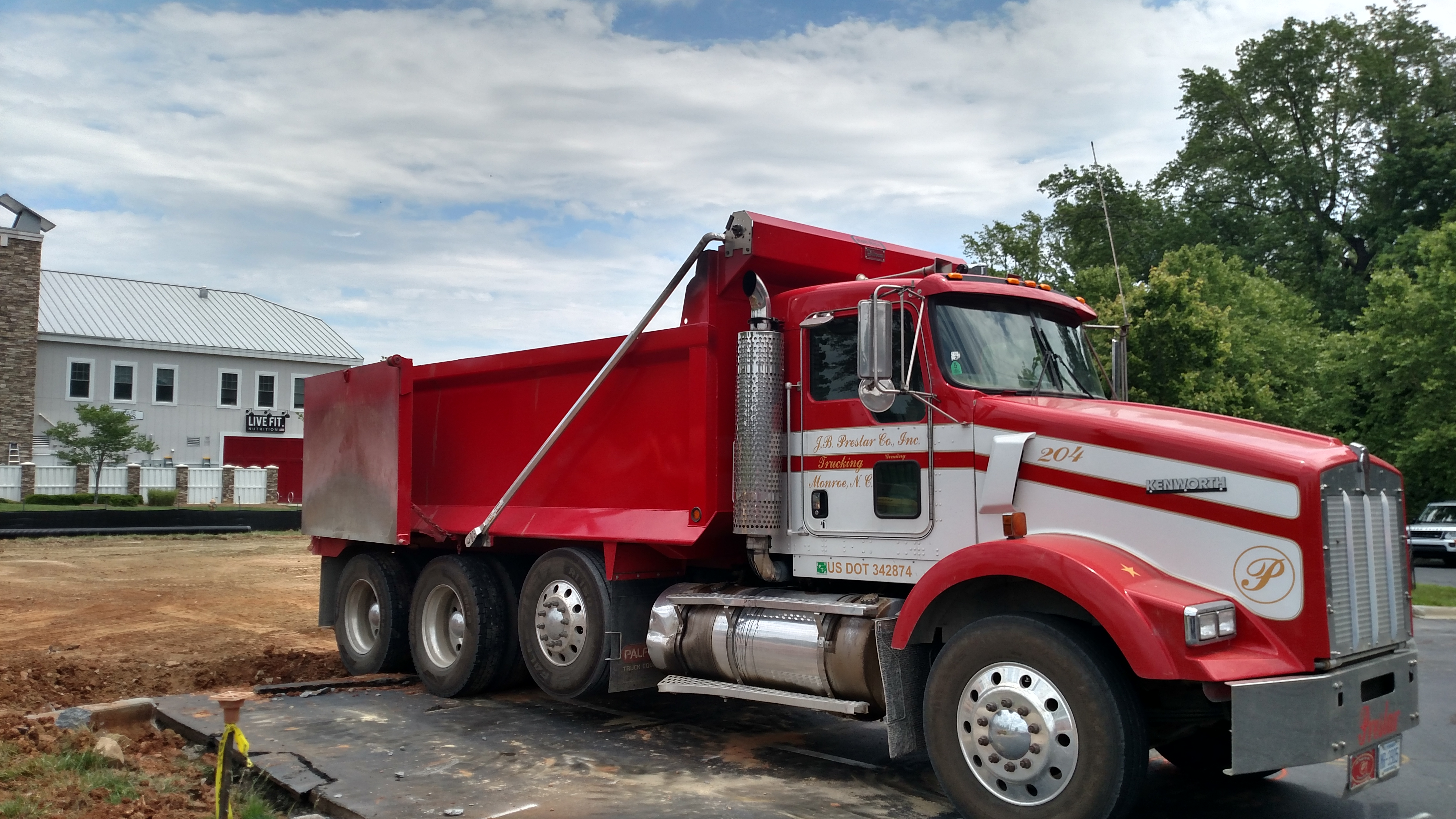 red giant truck - photo #31